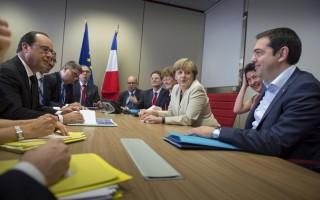 Παρών στη συνάντηση Τσίπρα-Μέρκελ-Ολάντ και ο Γιούνκερ
