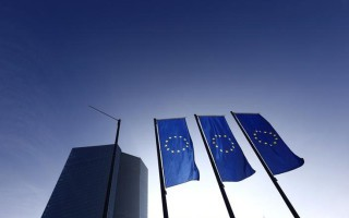 Αυξάνεται ο ρυθμός ανάπτυξης στην Ευρωζώνη