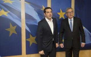 Γιούνκερ σε Τσίπρα: Το κοινωνικό κεκτημένο εφαρμόζεται και στην Ελλάδα