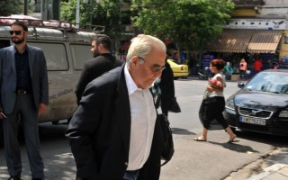 Επίθεση αντιεξουσιαστών στο σπίτι του Αλέκου Φλαμπουράρη
