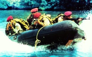 Τα φοβερότερα στρατιωτικά συνθήματα του κόσμου