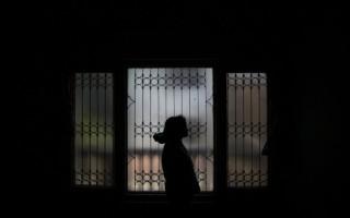 Άνδρας κρατούσε αιχμάλωτη 12χρονη στο Μενίδι και την κακοποιούσε