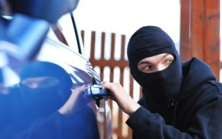 Εξαρθρώθηκε σπείρα που έκλεβε αυτοκίνητα στα νότια προάστια