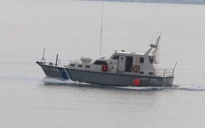 Είκοσι άτομα από το φορτηγό πλοίο που εκδηλώθηκε η πυρκαγιά μεταφέρονται στη Ρόδο