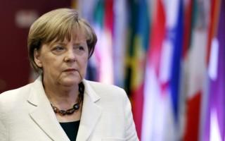Le Monde: Η Άνγκελα Μέρκελ δεν θέλει να μείνει στην Ιστορία ως ο νεκροθάφτης της Ελλάδας