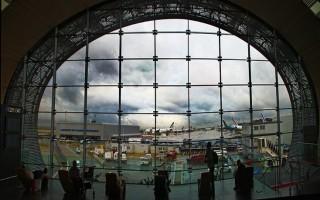 Χωρίς τους γονείς κρατούνται δύο κοριτσάκια σε αεροδρόμιο της Γαλλίας