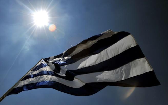 Άγνοια δηλώνει η ΕΛ.ΑΣ. για το κάψιμο σημαίας στα Εξάρχεια
