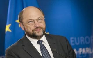 Υπέρ της χαλάρωση των κανόνων για τα ελλείμματα ο Σουλτς