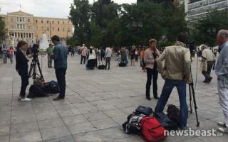 Γέμισε με συνεργεία διεθνών πρακτορείων το κέντρο της Αθήνας
