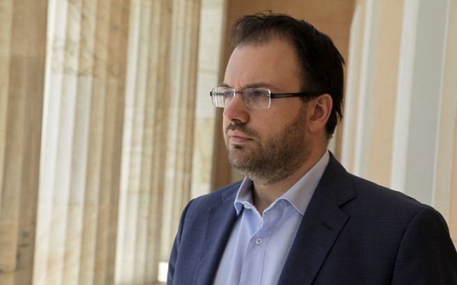 Θεοχαρόπουλος: Δεν αποκλείω να δραπετεύσει ο Τσίπρας εντός του 2017