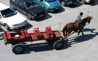 «Φρένο» στους αμαξάδες του Βόλου