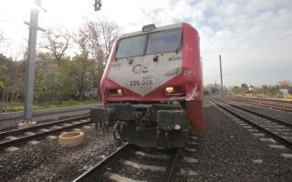 Εκατοντάδες επιβάτες τρένου εγκλωβισμένοι στον Δομοκό