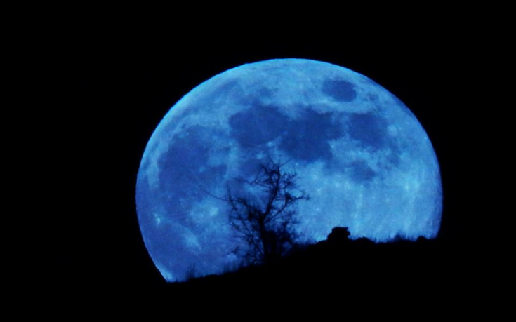 Σπάνια «Μπλε Πανσέληνος» θα εμφανιστεί στον ουρανό απόψε το βράδυ