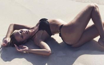 Η Candice Swanepoel σβήνει τη δίψα σας