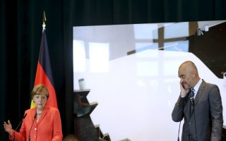 Η Μέρκελ στηρίζει την ένταξη της Αλβανίας στην Ε.Ε.