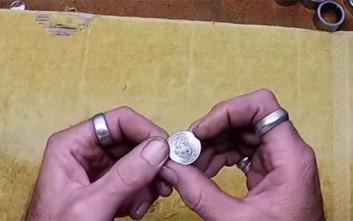 Μετατρέποντας ένα νόμισμα σε δαχτυλίδι