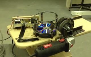 Πώς μερικά cd μπορούν να γίνουν δολοφονικά εργαλεία