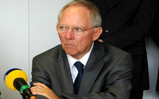 Der Spiegel: Ο Σόιμπλε πρόσωπο-κλειδί για τα εσωκομματικά της CDU