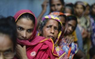 Είκοσι τρεις άνθρωποι ποδοπατήθηκαν μέχρι θανάτου στο Μπαγκλαντές ... aab71f38a12