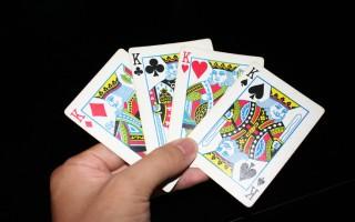 Μετά το εγκεφαλικό, παίξτε... χαρτιά