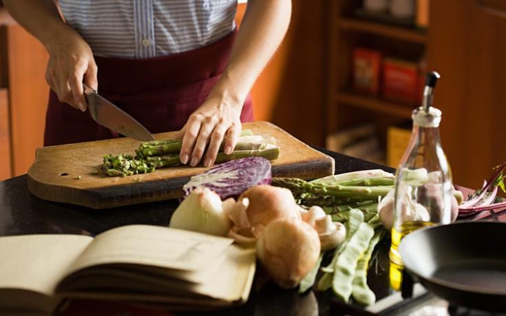 Πέντε πράγματα που πρέπει να αποφεύγουμε στο μαγείρεμα