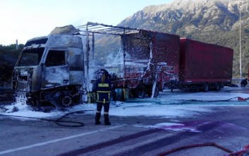Παρανάλωμα του πυρός νταλίκα στην Εγνατία οδό