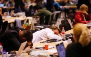 Ο… υπνάκος δημοσιογράφων στις Βρυξέλλες