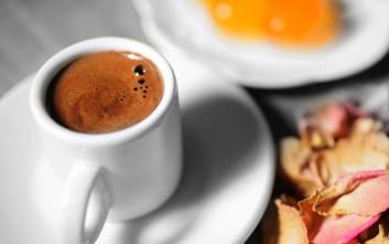 Αντιοξειδωτική μάσκα προσώπου με ελληνικό καφέ και μέλι