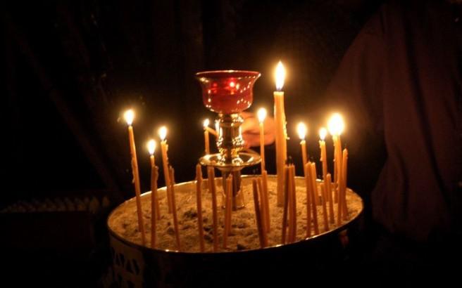 Γιατί ανάβουμε το κερί στην εκκλησία