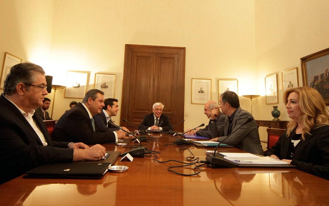 Τσίπρας σε πολιτικούς αρχηγούς: Συνδράμετε για βιώσιμη λύση
