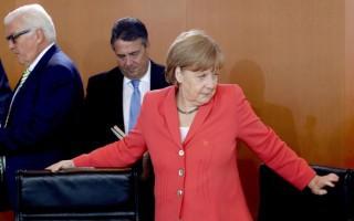 Μέρκελ: Το σκάνδαλο της Volkswagen δεν κλόνισε την εμπιστοσύνη στη γερμανική οικονομία