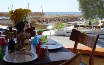To ανανεωμένο Sea Side by Notos γίνεται ο προορισμός της Σαντορίνης