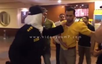 Το χαστούκι γυναίκας αστυνομικού σε άντρα έγινε viral