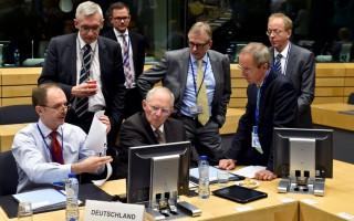 Le Monde: Μια εβδομάδα για συμφωνία για το χρέος και τις μεταρρυθμίσεις
