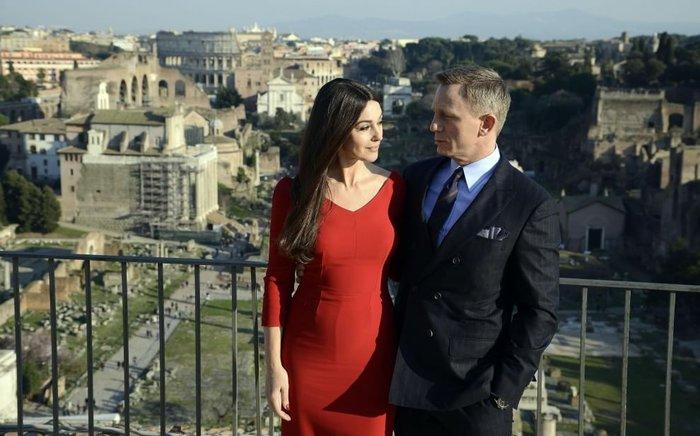 Μπελούτσι - Κρεγκ το νέο καυτό ζευγάρι του Χόλυγουντ