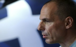 Οργισμένη απάντηση Βαρουφάκη στη ΝΔ και αιχμές κατά ΣΥΡΙΖΑ