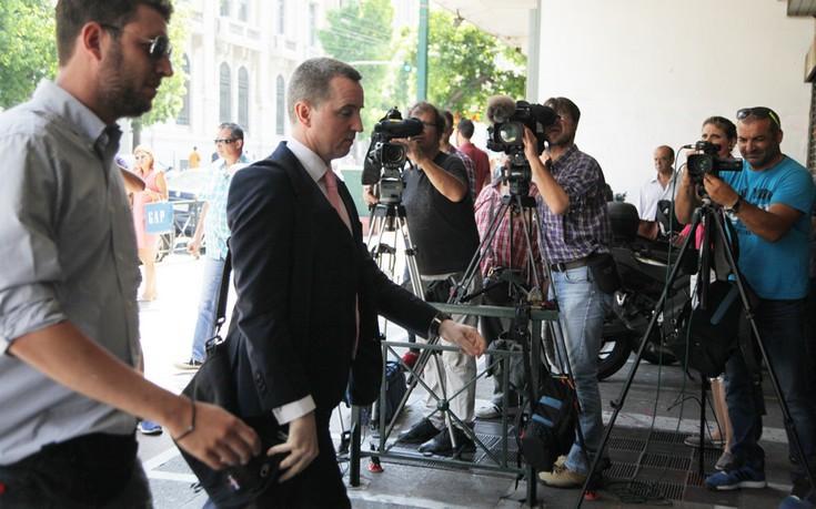 Συμφωνία για τον εξωδικαστικό, πρόοδος στις μειώσεις φόρων και ολονυχτία για τα εργασιακά