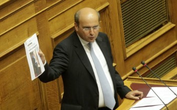 Χατζηδάκης: Ο δικός μου νόμος προστάτευε το 90% των δανειοληπτών