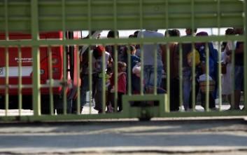 Έως 600 μετανάστες χωρούν τα κοντέινερ στο Βοτανικό