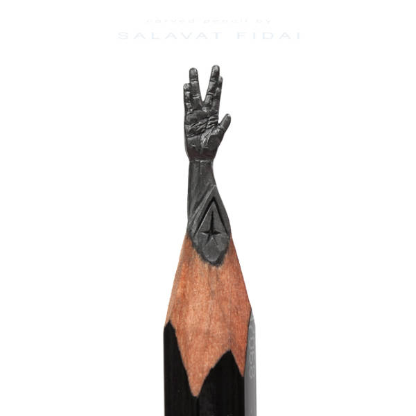 amazing_tiny_lead_sculptures_carved_into_the_tips_of_pencils_640_02
