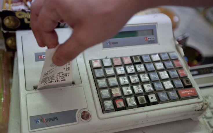 Καλοκαιρινό «σαφάρι» εφοριακών με 50.500 φορολογικούς ελέγχους