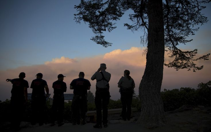 """Sequoia & Kings Canyon National Park rangers and firefighters monitor the so-called """"Rough Fire"""" in the Sierra National Forest, California"""