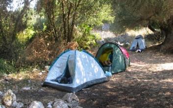 Συλλήψεις για παράνομο camping στη Λίμνη Πρέβελη