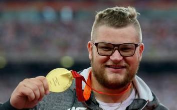 Παγκόσμιος πρωταθλητής πλήρωσε ταξιτζή με το... μετάλλιό του
