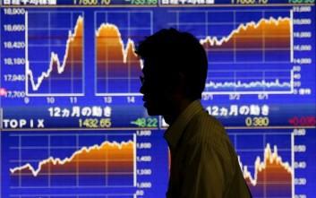 Financial Times: Γιατί η παγκόσμια οικονομία δείχνει τόσο εύθραυστη