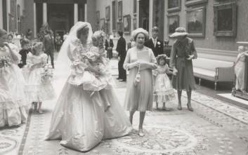 Στη δημοσιότητα φωτογραφίες από το γάμο Καρόλου- Νταϊάνα