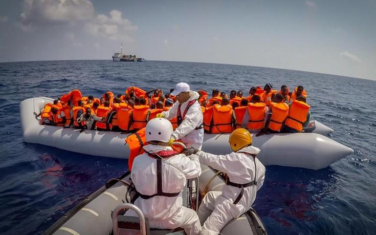 Δύο ακόμη ΜΚΟ διακόπτουν τις επιχειρήσεις διάσωσης στη Μεσόγειο