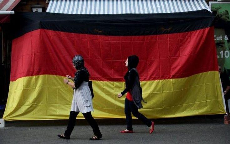 Η Γερμανία δαπάνησε περίπου 32 δισ. ευρώ για τους πρόσφυγες το 2016