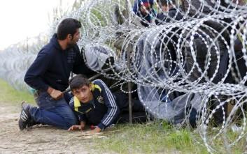 Συρματοπλέγματα στα σύνορα με τη Σλοβενία τοποθετούν οι ουγγρικές αρχές