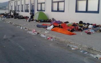 Πάνω από 3.000 μετανάστες στο λιμάνι της Λέσβου